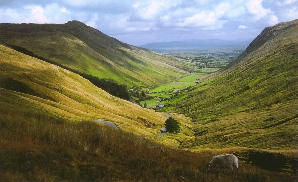 GlenGesh Pass, Ireland, photo by Scott Eagan